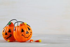 halloween pumpkins with candy